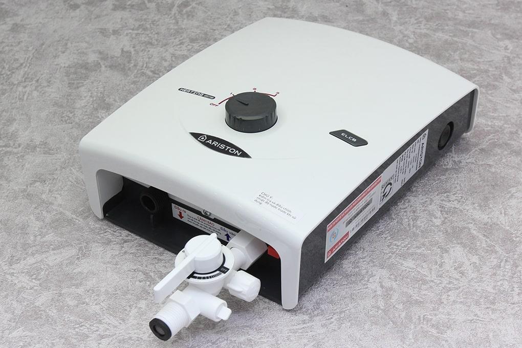 thiết kế của Bình nóng lạnh Ariston SB35E-VN