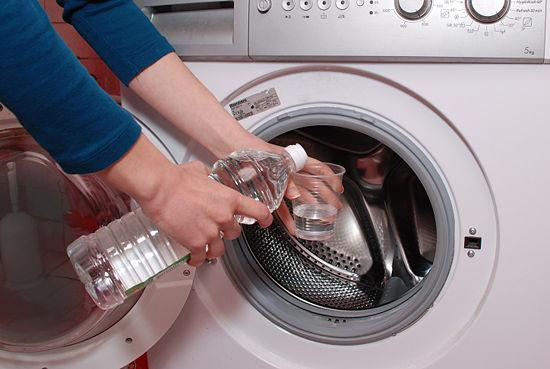 vệ sinh máy giặt bằng baking soda