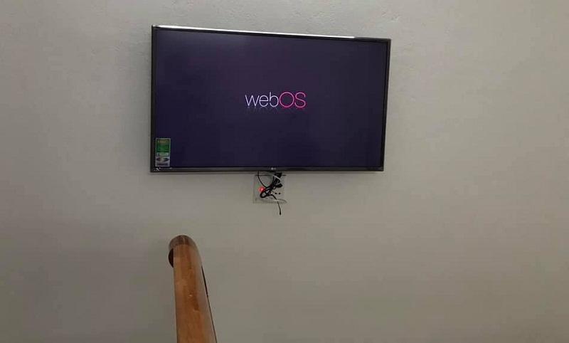 tivi 43 inch dùng cho phòng ngủ