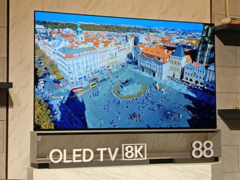 Kích cỡ màn hình tivi 8K là siêu lớn