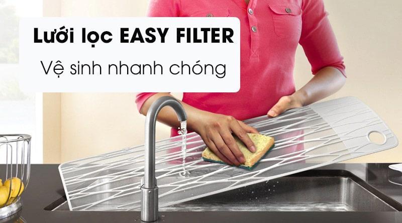 Điều hòa Samsung AR13TYHYCWKNSV dễ dàng vệ sinh hơn nhờ Easy Filter