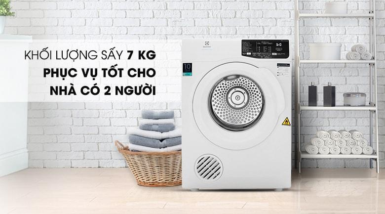Máy sấy Electrolux EDV705HQWA có khối lượng sấy 7kg phục vụ tốt cho nhà có từ 2-3 thành viên