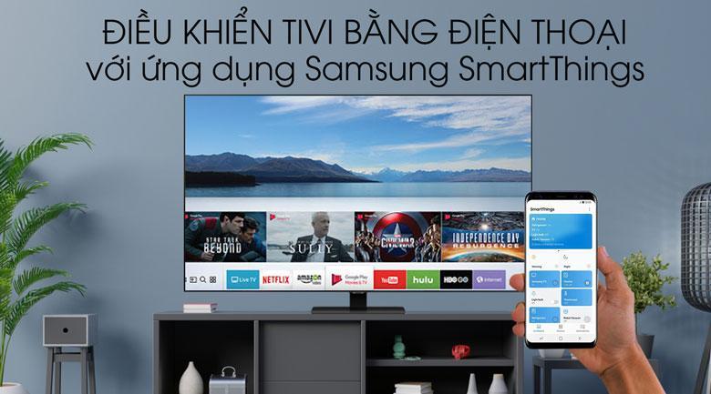 Tivi QLED Samsung QA55Q80T được điều khiển dễ dàng từ điện thoại thông minh