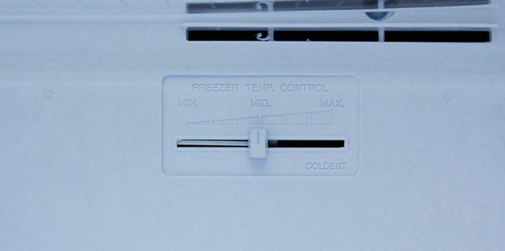 2 nút điều chỉnh nhiệt độ