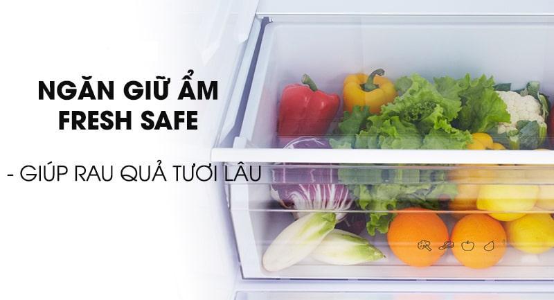 Tủ lạnh Panasonic NR-BV360WSVN giúp rau quả tươi lâu nhờ ngăn giữ ẩm Fresh Safe
