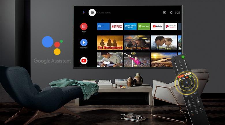 Với Google Assitant và remote thông minh được trang bị giúp tivi nhà bạn thông minh hơn