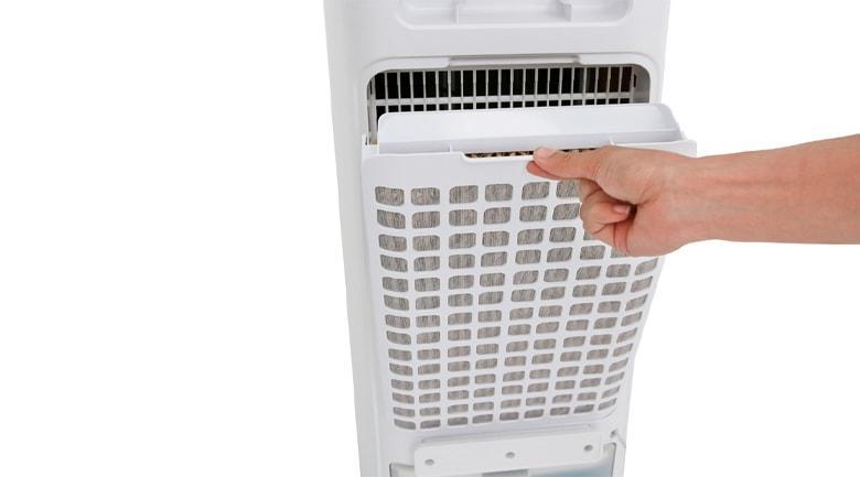 Quạt điều hòa có tấm lọc bui đằng sau và 1 tấm làm mát bên trong giúp lọc sạch không khí và bụi bẩn