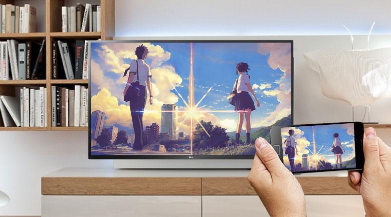 Tivi LG 55UN7400 PTA giúp bạn hiển thị màn hình điện thoại khá dễ