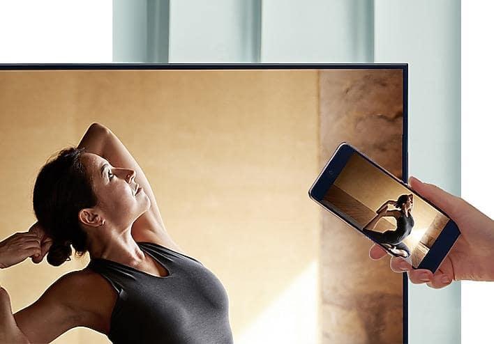 43Q60A chiếu hình ảnh từ điện thoại lên tivi đơn giản