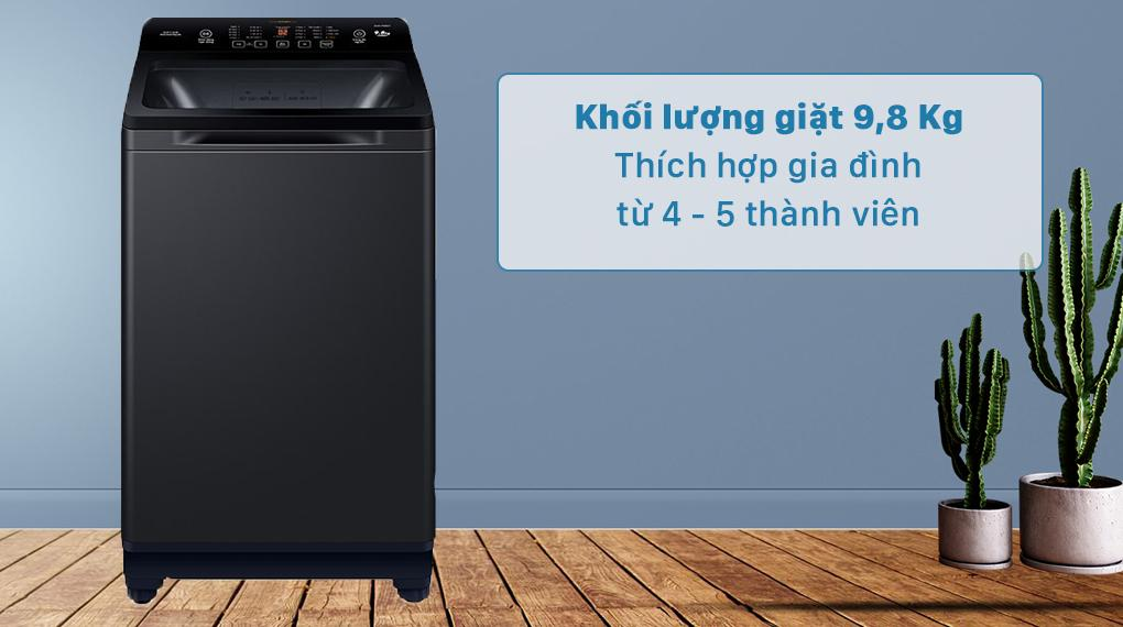 Máy giặt Aqua AQW-FR98GT BK sở hữu khối lượng 9.8 kg phù hợp cho gia đình 4 - 5 người
