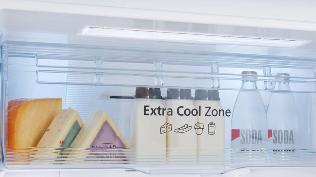 Tủ lạnh Panasonic NR-TV341VGMV trang bị ngăn Extra Cool Zone 2 độ C làm lạnh siêu tốc, vận hành hiệu quả