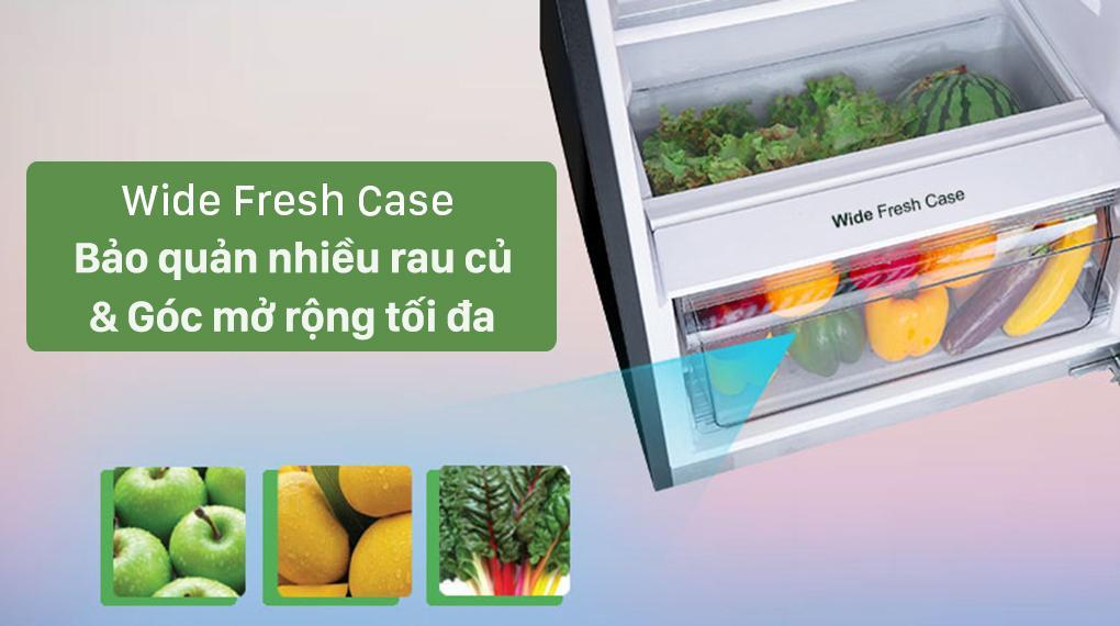 Tủ lạnh NR-TV341VGMV giúp bạn bảo quản nhiều rau củ trong ngăn Wide Fresh Case, thao tác tiện lợi với góc mở rộng tối đa