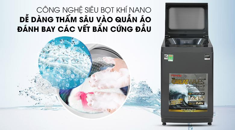 Máy giặt Toshiba AW-DUK1150HV sử dụng công nghệ siêu bọt khí Nano không chỉ thẩm thấu nhanh vào vải mà còn giặt sạch kể cả với vết bẩn cứng đầu