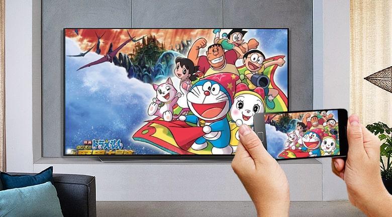 Tivi OLED LG 65B1PTA trình chiếu hình ảnh từ điện thoại lên tivi