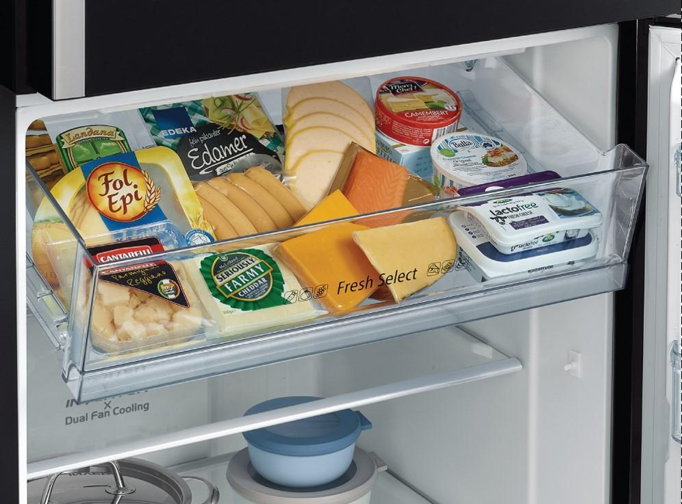 Tủ lạnh Hitachi R-FG510PGV8 GBK trang bị ngăn đựng đa năng