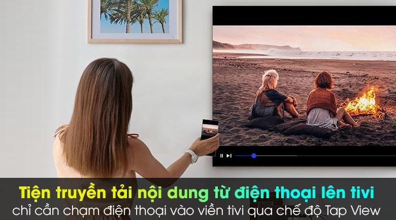 Tivi Samsung 65QN800A truyền tải nội dung từ điện thoại lên tivi