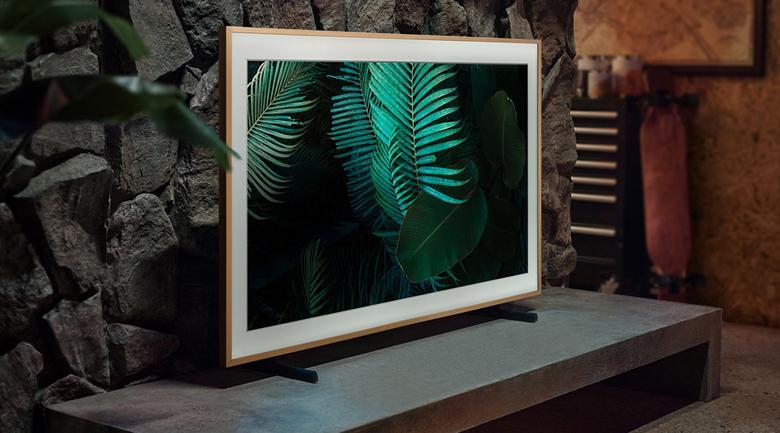 Kiểu dáng khung tranh mới lạ, màn hình phẳng lớn