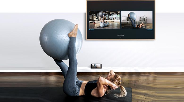 Smart Tivi Khung Tranh The Frame QLED Samsung 4K 75 inch QA75LS03A - Bạn có thể xem cùng lúc 2 nội dung trên thiết bị, có thể sử dụng cùng camera gắn rời với tính năng Multi View