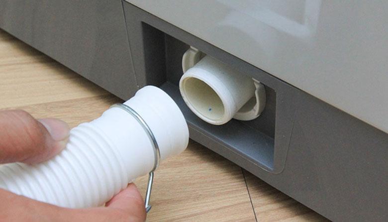 Hướng dẫn cách vệ sinh máy giặt LG: lưới lọc nước xả
