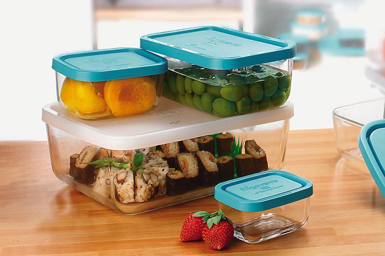 Sử dụng hộp đựng thức ăn bằng kim loại, thủy tinh