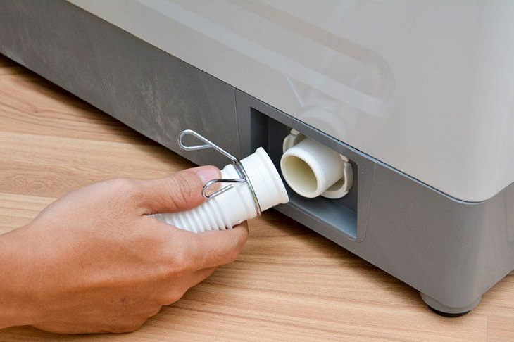 Kiểm tra đường ống và màng lọc máy giặt